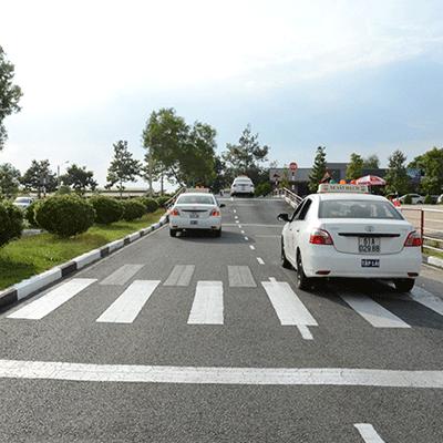 Học lái xe sa hình cảm ứng