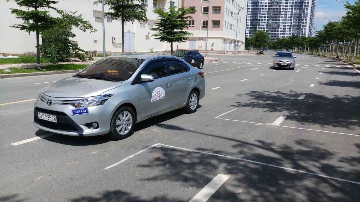 Học lái xe B2 - Đồng Tiến